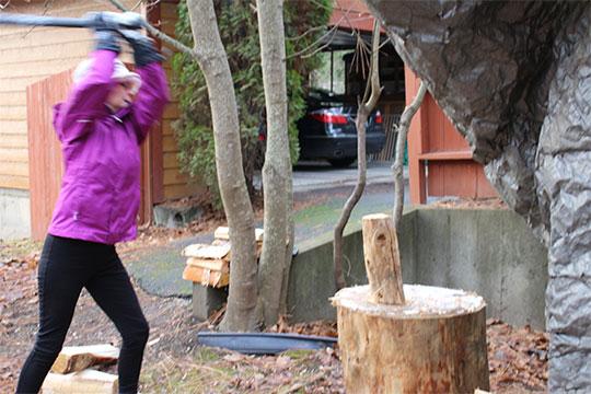 splitting wood anxiety reducer